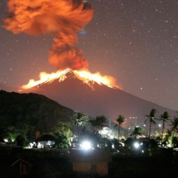 Bali Volcano Eruption: Mount Agung Erupts Spewing Hot Lava. Is It Safe to Travel to Bali?